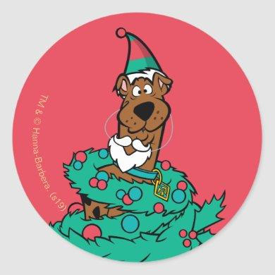 Scooby-Doo Wrapped In Wreaths Classic Round Sticker